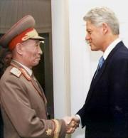 ホワイトハウスでクリントン米大統領と面会した趙明禄特使