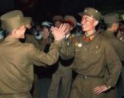 踊りに興じる朝鮮人民軍の兵士(本文とは関係ありません)