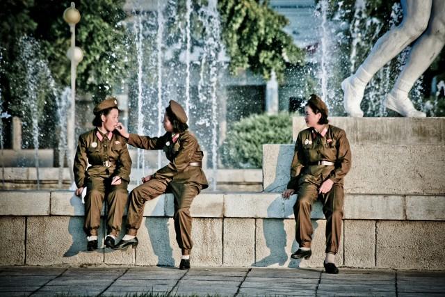 朝鮮人民軍の女性兵士(本文とは関係ありません)©Matt Paish