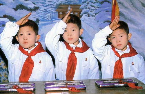 北朝鮮で「興国の象徴」とされる三つ子(本文とは関係ありません)