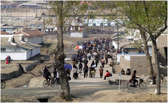 北朝鮮の地方都市の市場
