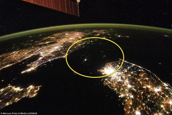 北朝鮮の劣悪な電力事情を示す衛星写真 ©NASA