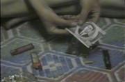 故金日成氏が描かれた紙幣でパイプをつくって覚醒剤を吸引する様子/撮影:デイリーNK