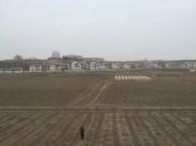 平壌と新義州を結ぶ鉄道の車窓から見える農村。(画像:読者提供)