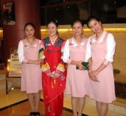 中国瀋陽の北朝鮮レストラン「モラン」の女性従業員(画像:Prince Roy)