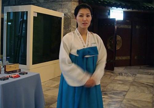 北朝鮮のレストラン従業員