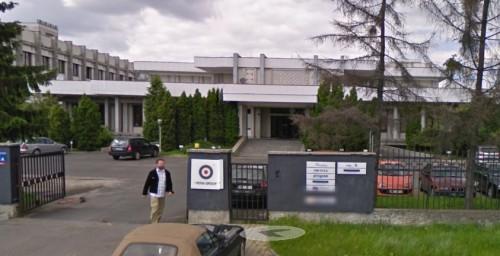 様々な民間企業に貸し出されたワルシャワの北朝鮮大使館の建物(画像:Google street view)