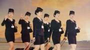 北朝鮮のカレンダーに登場した高麗航空の客室乗務員たち
