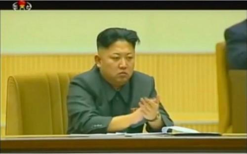 金正恩氏は叔父の処刑直後にも暗い表情を見せていた(朝鮮中央テレビ)