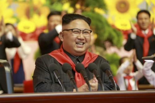 朝鮮少年団第8回大会に参加した金正恩氏(2017年6月7日付労働新聞より)