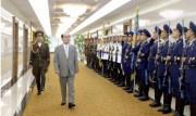 イラン訪問のため平壌を出発した金永南氏(2017年8月1日付労働新聞より)