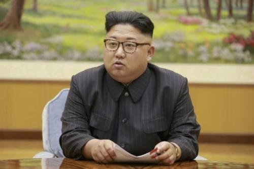 水爆実験を決定した朝鮮労働党政治局常務委員会に参加した金正恩氏(2017年9月4日付労働新聞より)