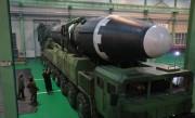 ICBM「火星15」型(2017年11月29日付朝鮮中央通信より)