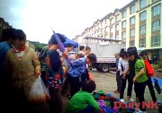 帰国を控え延吉の市場で買い物する北朝鮮労働者(画像:デイリーNK)