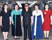 金正日総書記が2011年7月に平壌の第1百貨店を視察した際に撮られた写真