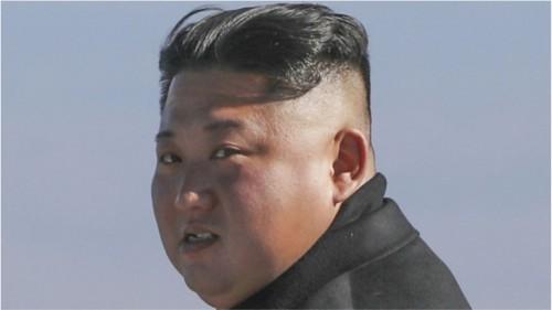 2018年9月20日、韓国の文在寅大統領らと白頭山を訪れた金正恩氏(平壌写真共同取材団)