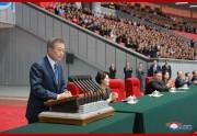 19日、韓国大統領として初めて北朝鮮大衆の前で演説した文在寅氏(2018年9月19日付朝鮮中央通信)