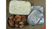 先週、デイリーNKの内部情報筋が送ってきた北朝鮮の一般国民のお弁当の写真