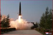北朝鮮が9日に発射した、ロシアの短距離弾道ミサイル「イスカンデル」と酷似した飛翔体(2019年5月9日付朝鮮中央通信)