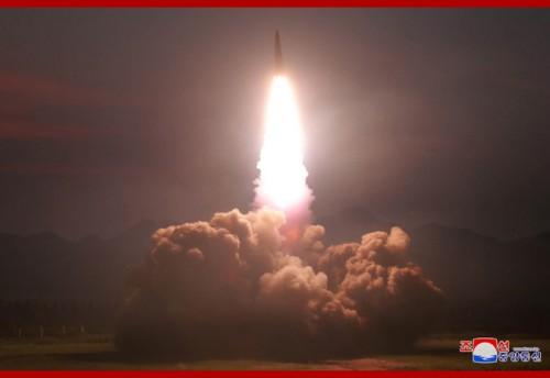 北朝鮮が6日に発射した「新型戦術誘導弾」(2019年8月7日付朝鮮中央通信)