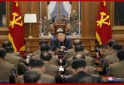 朝鮮労働党軍事委拡大会議に参加した金正恩氏(2019年12月22日付朝鮮中央通信より)