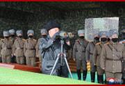 北朝鮮軍の合同打撃訓練を現地指導した金正恩氏(2020年2月29日付朝鮮中央通信より)