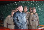 戦術誘導兵器の試射を視察した金正恩氏(2020年3月22日付朝鮮中央通信より)