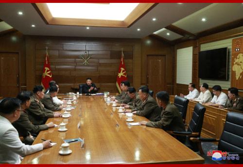 18日、党中央軍事委員会第7期第5回拡大会議に続き、非公開会議が行われた(2020年7月19日付朝鮮中央通信)
