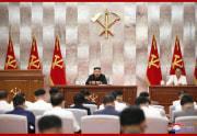 朝鮮労働党拡大会議を指導した金正恩氏(2020年9月9日付朝鮮中央通信より)