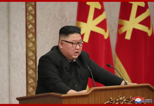 朝鮮労働党第8期第2回総会第2日目会議での金正恩氏(2021年2月11日付朝鮮中央通信)
