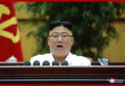 朝鮮労働党第6回細胞書記大会で演説した金正恩氏(2021年4月7日付朝鮮中央通信)