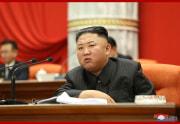 金正恩氏が労働党中央委員会第8期第2回政治局拡大会議を指導した(2021年6月30日付朝鮮中央通信)