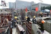 平壌・黎明通りの工事現場(ウェブサイト「曙光」)