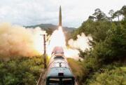 朴正天氏が鉄道機動ミサイル連隊射撃訓練を指導した(2021年9月16日付労働新聞)