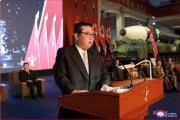11日、国防発展展覧会で演説する金正恩氏(2021年10月12日付朝鮮中央通信)